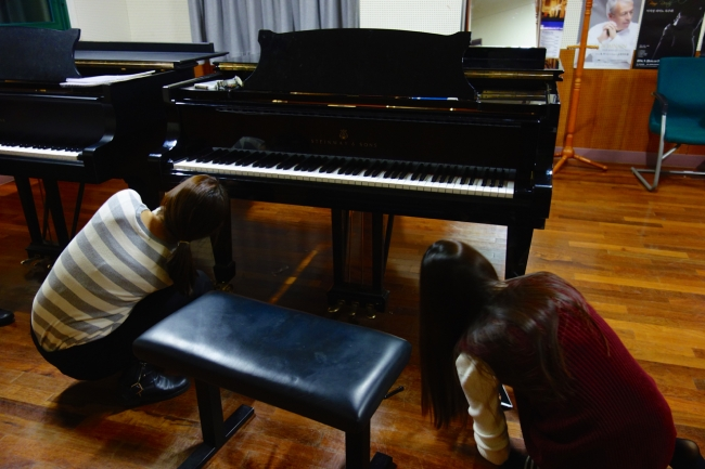 4th-year piano student Ji Won Jang's practice is interrupted, 27 Nov 2014.