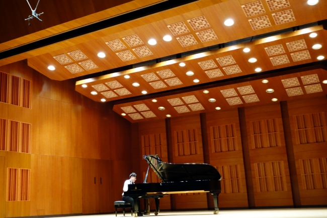 Kangnam University German School of Music Weimar student Lee Ji Sung Piano Recital, Jang Cheon Art Hall, Seoul. 25 September 2014. With GSMW students Kang Yu Jung (fl), Kim Sung-ryung (fl), Lee Sun Ho (cl). (Photo: Charles Ian Chun)