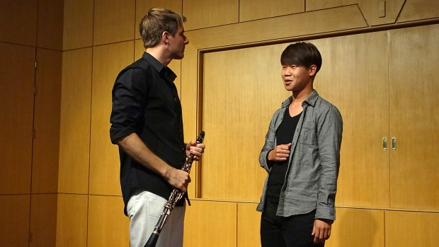 2nd-year clarinet student Yu Dong Ha prepares for the 55th Dong-A Music Competition with professor Matthias Luft.